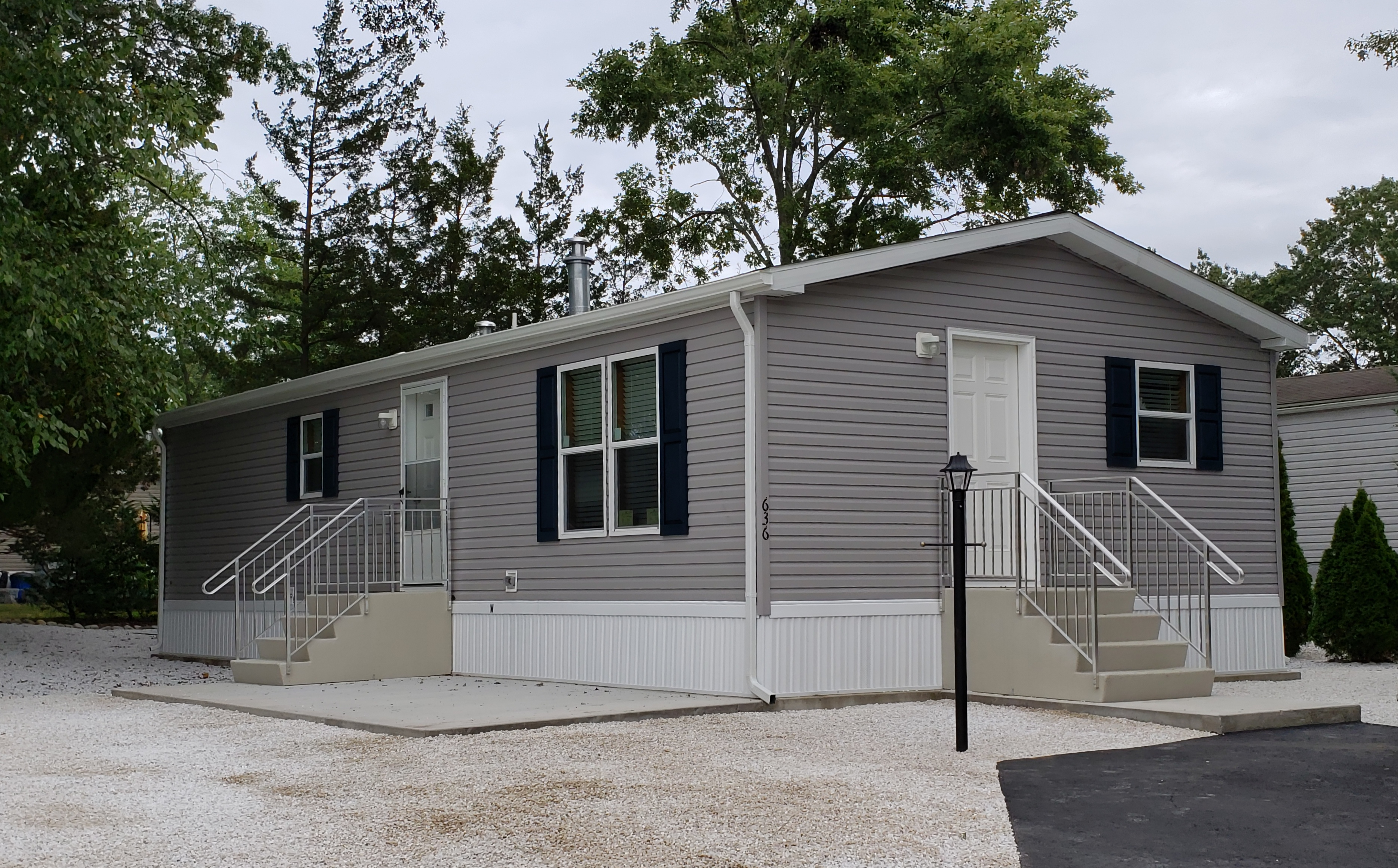 Pine Grove 20 x 44   NEW DOUBLE WIDE